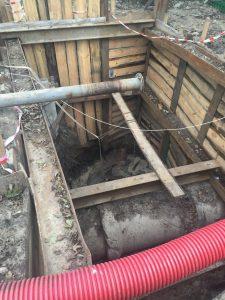 Понижение уровня грунтовых вод при строительстве колодца в Киеве на улице Вискозная